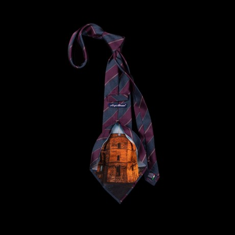 Prabangus kaklaraištis su Gedimino bokšto atvaizdu