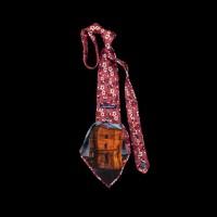 Prabangus raudonas kaklaraištis su Gedimino bokšto atvaizdu