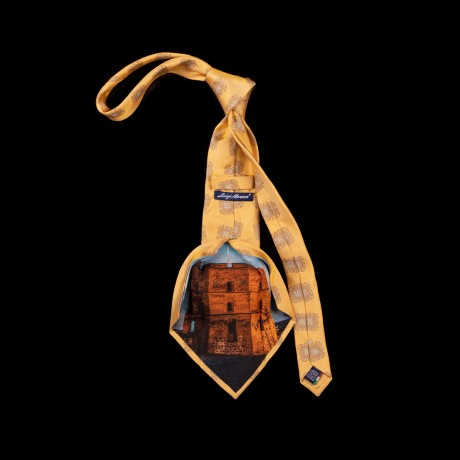 Prabangus geltonas kaklaraištis su Gedimino bokšto atvaizdu