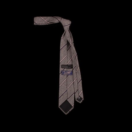 Vilnonis dryžuotas pilkas kaklaraištis