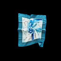 Mėlyna šilkinė skara-fuliaras su raktų raštais