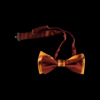 Ruda originalaus dizaino šilkinė peteliškė