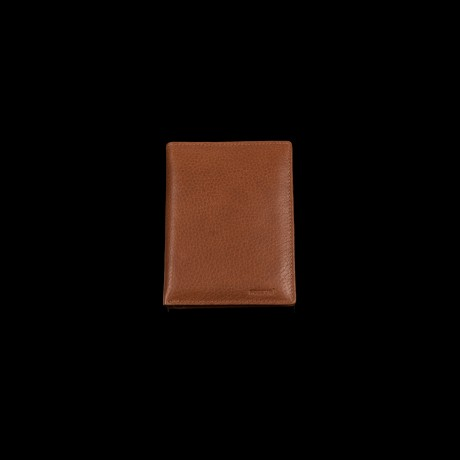 Riešuto spalvos odinė piniginė